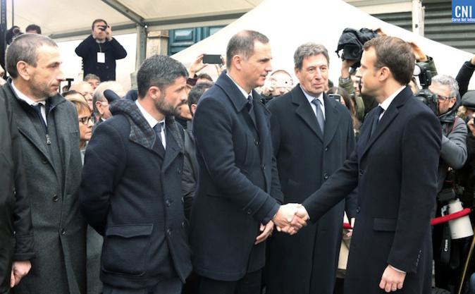 Rencontre tendue entre le président de l'Exécutif corse, Gilles Simeoni, et le président de la République, Emmanuel Macron, en février 2018 à Ajaccio. Photo M. Luccioni
