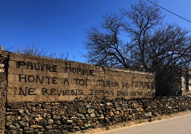 Assassinat de Julie à L'Ile-Rousse : un tag face à la résidence