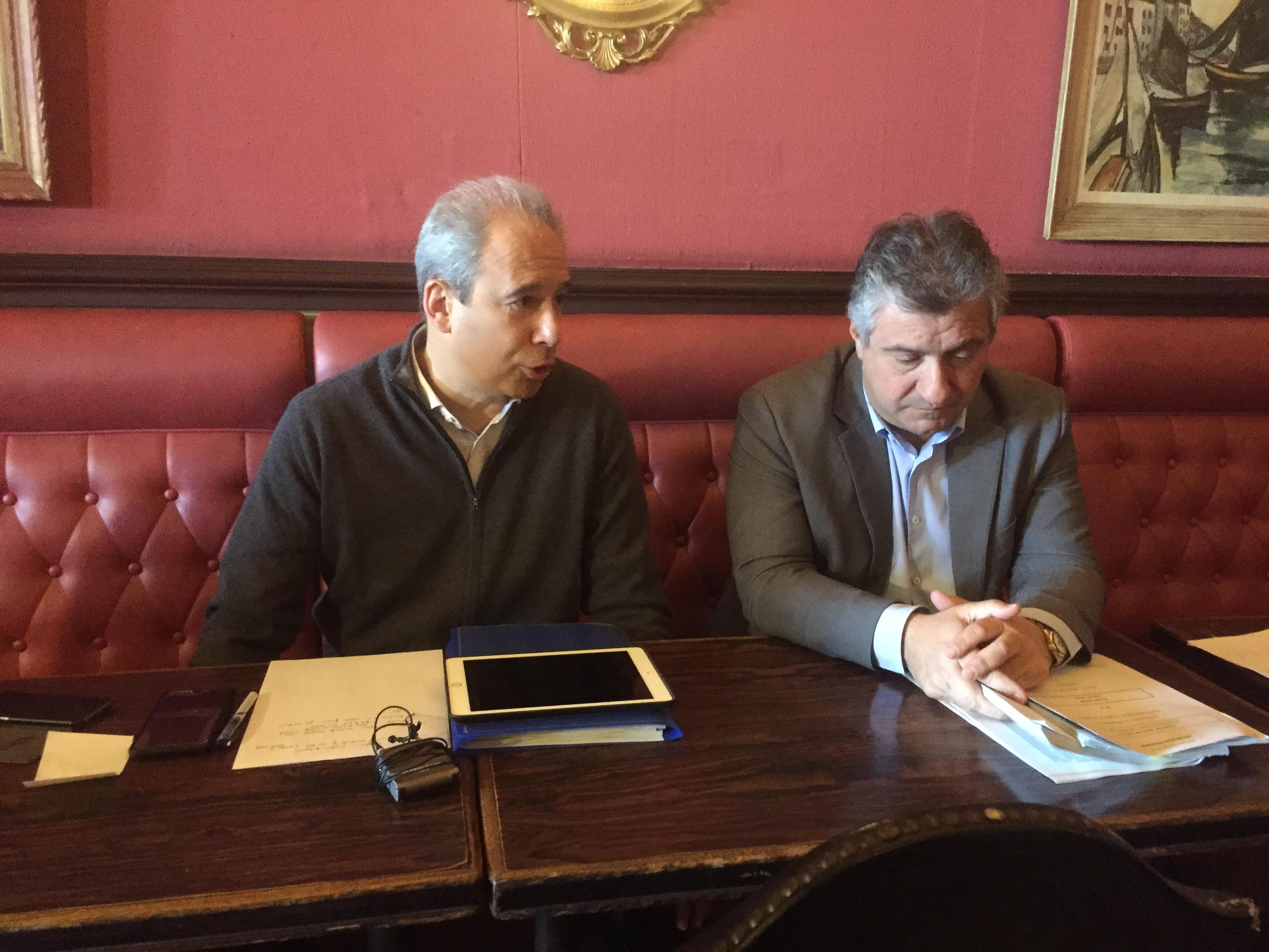 Jean Zuccarelli  et Jean-François Paoli  (Parti radical de gauche) lors de la conférence de presse à Bastia