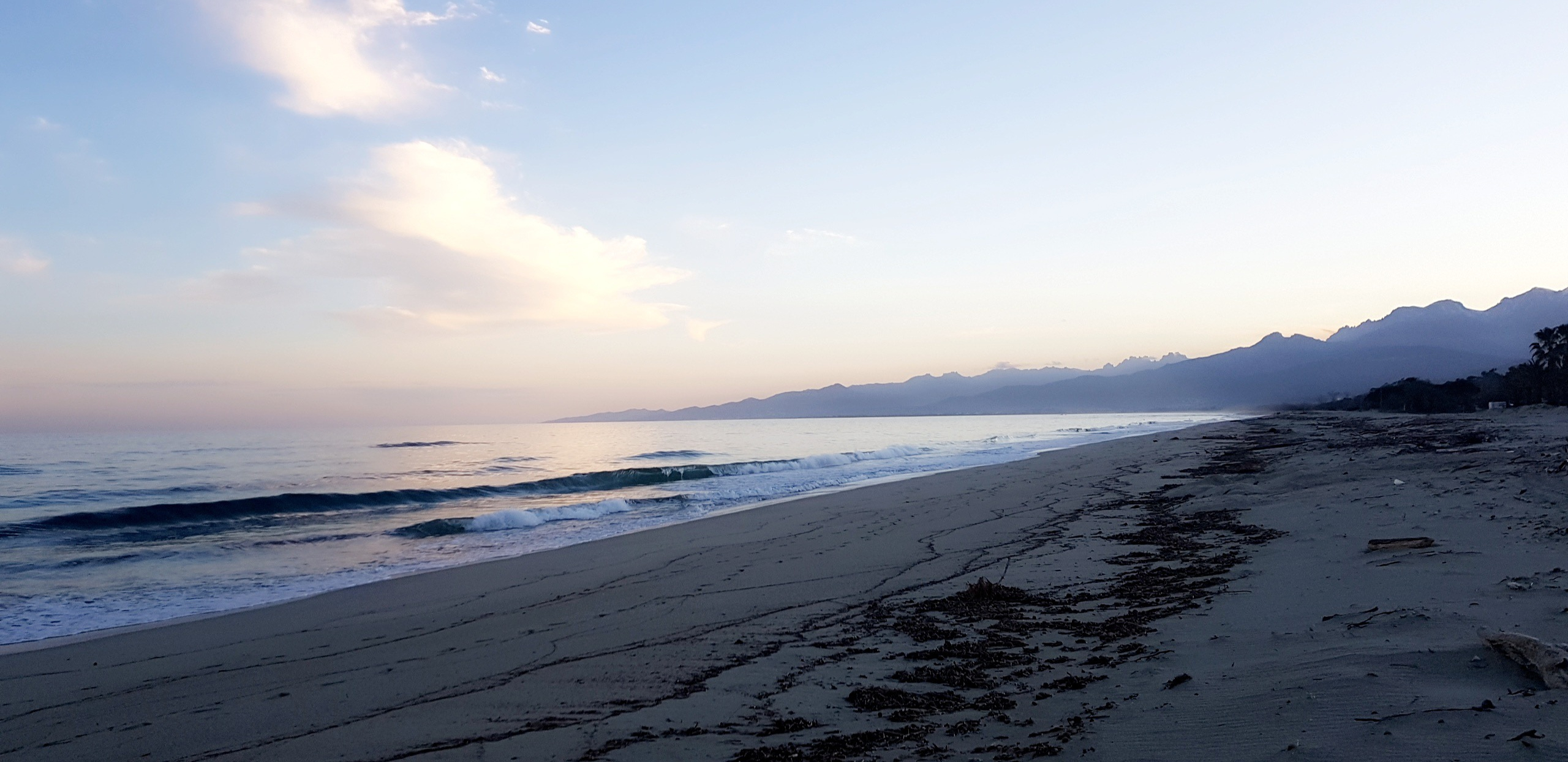 La photo du jour : La plage de Vignale au petit matin