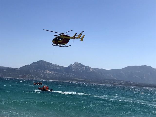 Manœuvre aquatique dans la baie de Calvi