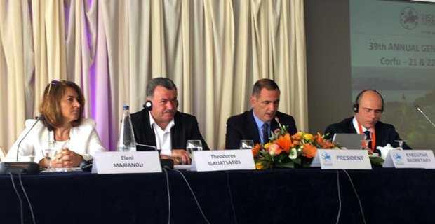 Europe - CRPM : A Corfou, Gilles Simeoni réélu par des îles en ordre de bataille
