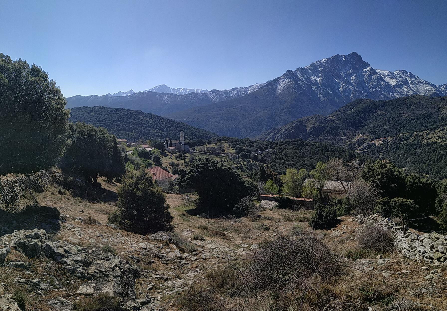 La photo du jour : Olmi-Capella avec vue sur le Monte Padru