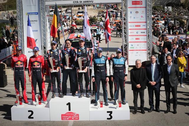 Le podium avec Ange Santini Maire de Calvi et Jérôme Seguy, sous-préfet de Calvi