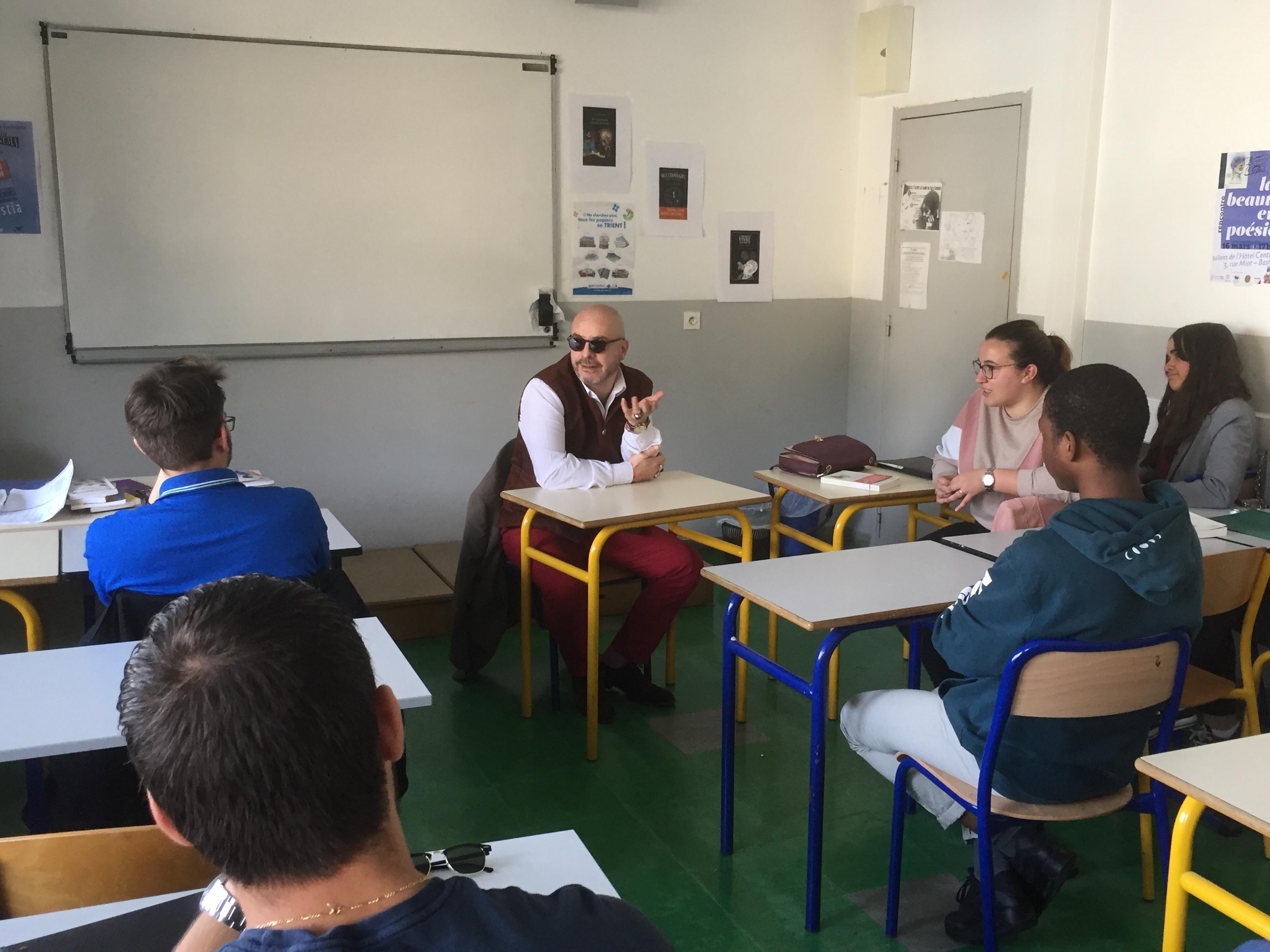Un atelier d'écriture avec l'écrivain Eric Poindron au Lycée Vincensini de Bastia