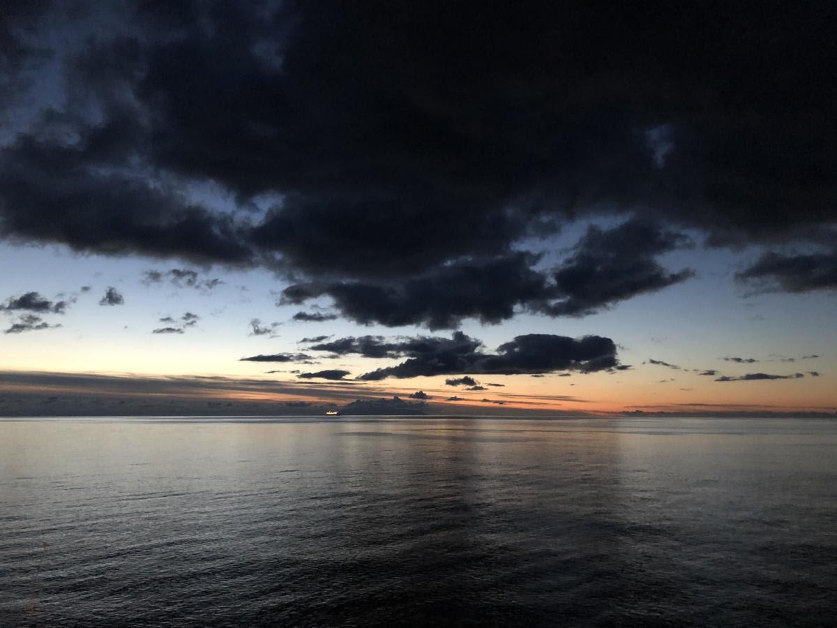 La photo du jour : ciel d'orage entre le Cap Corse et l'Ile d'Elbe