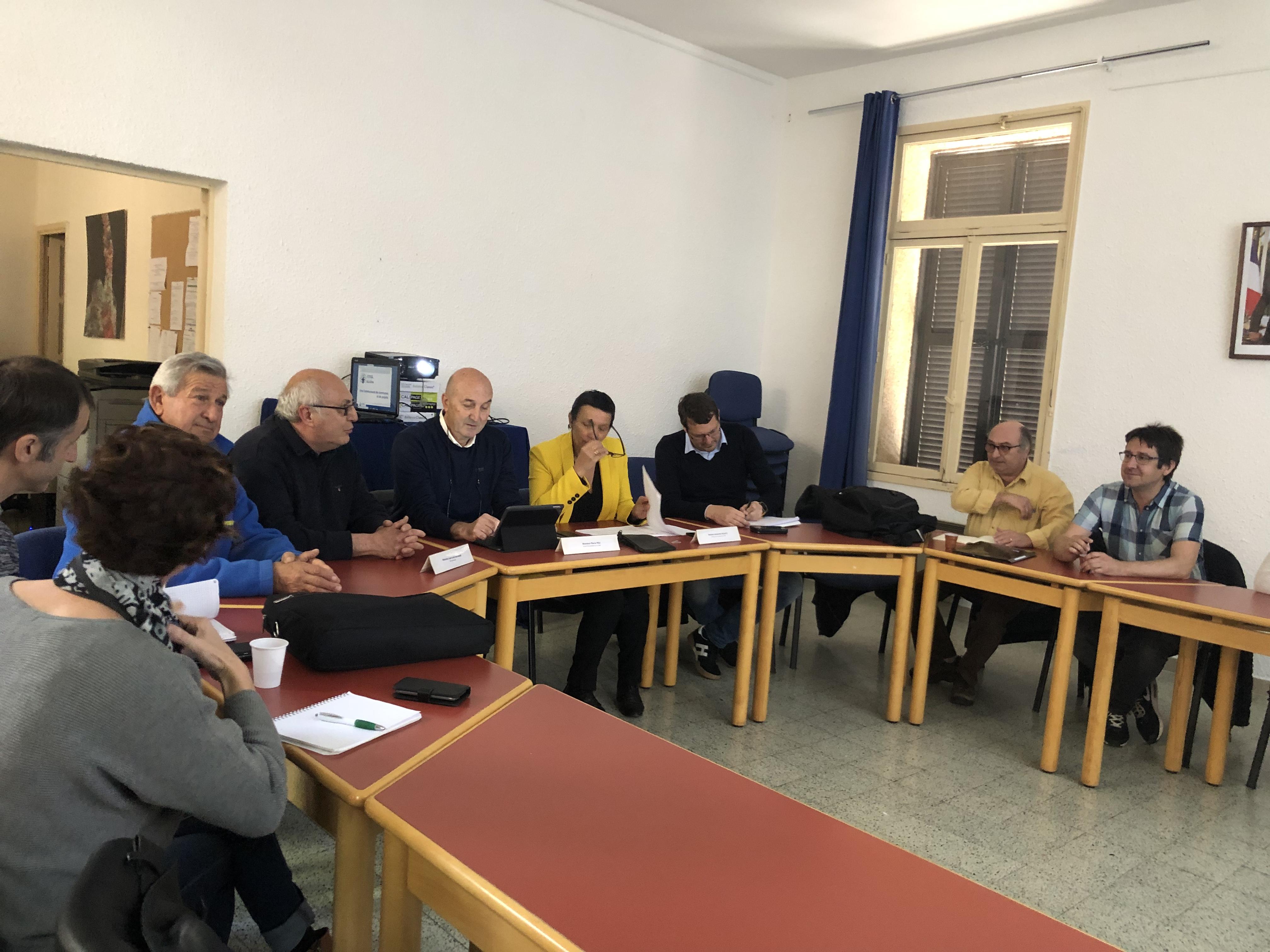 Des élus basques visitent les différentes collectivités de Corse
