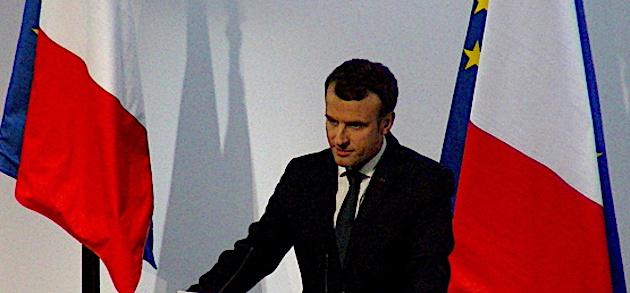 Macron en mode Semaine Sainte
