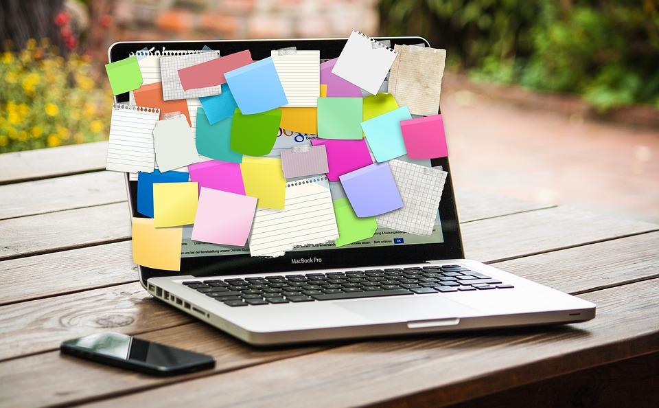 Emploi. 10 règles d'or pour rédiger un CV qui accroche
