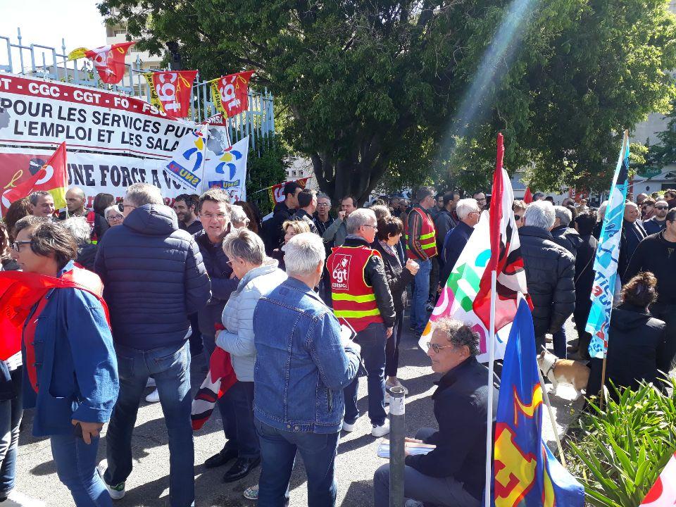 Fonction publique en grève : plusieurs centaines de fonctionnaires dans la rueà Bastia