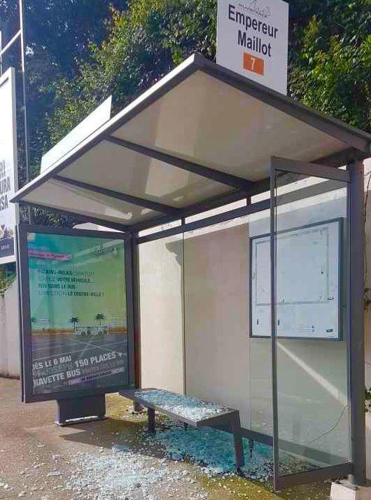 9 abris bus vandalisés à Ajaccio