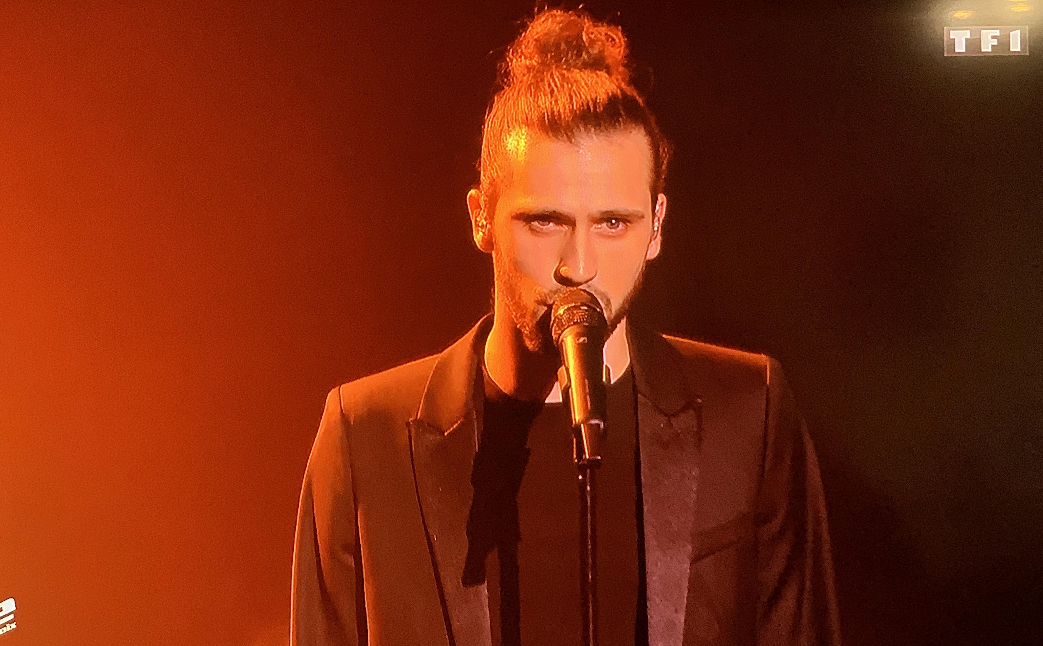 """Vidéo -The Voice : """"Puisque tu pars"""" emmène Clement en demi-finales"""