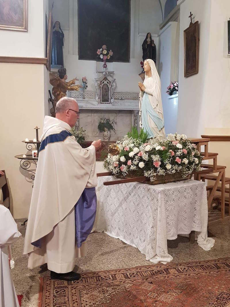 Zilia a celebré la visite de la Sainte Vierge