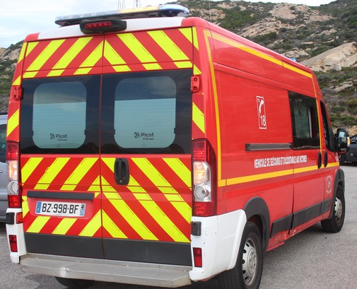 Collision voiture - deux-roues à Calenzana: un adolescent grièvement blessé