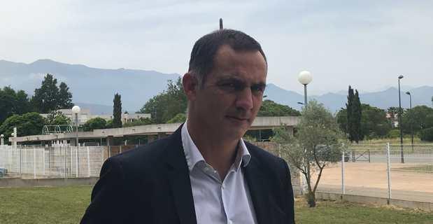Gilles Simeoni, Président du Conseil exécutif de la Collectivité de Corse, à l'issue du dernier Scontri à Prunelli di Fiumorbu.