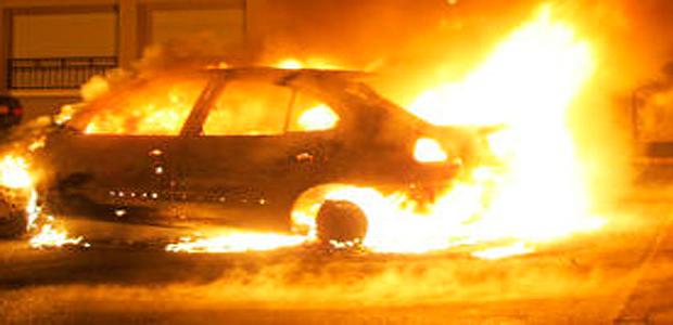 Altiani : Voiture en feu sur la route territoriale