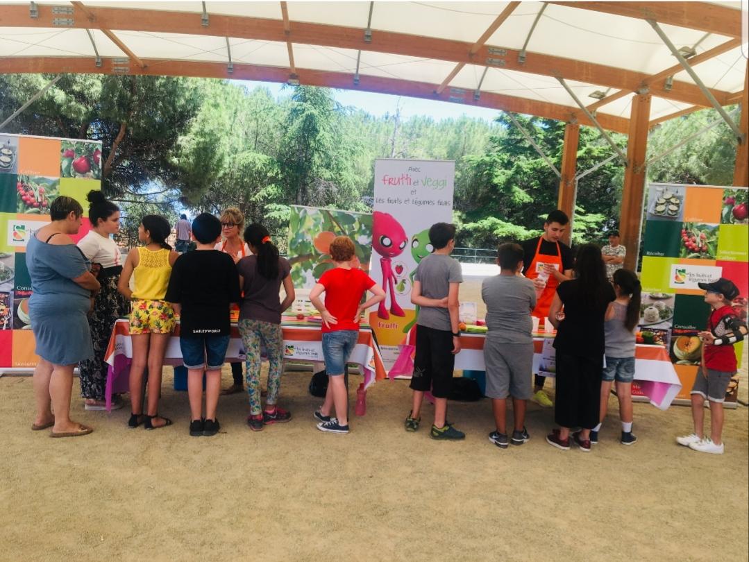 """Bastia : Les écoliers célèbrent les """"Fruits & Légumes Frais"""""""