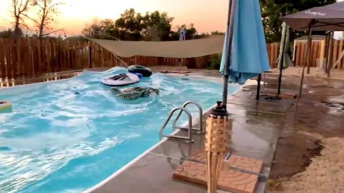 Séisme : piscine mouvante en Californie
