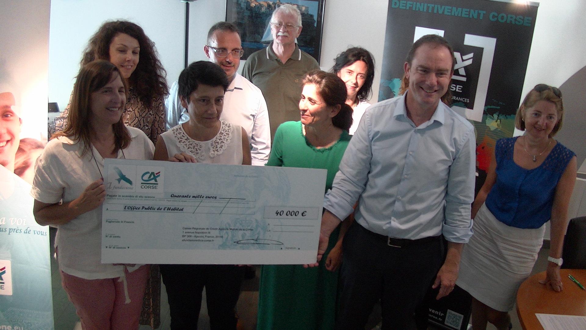Une convention de mécénat pour la réhabilitation de logements sociaux a été signée entre la Fondation du Crédit Agricole et l'OPH