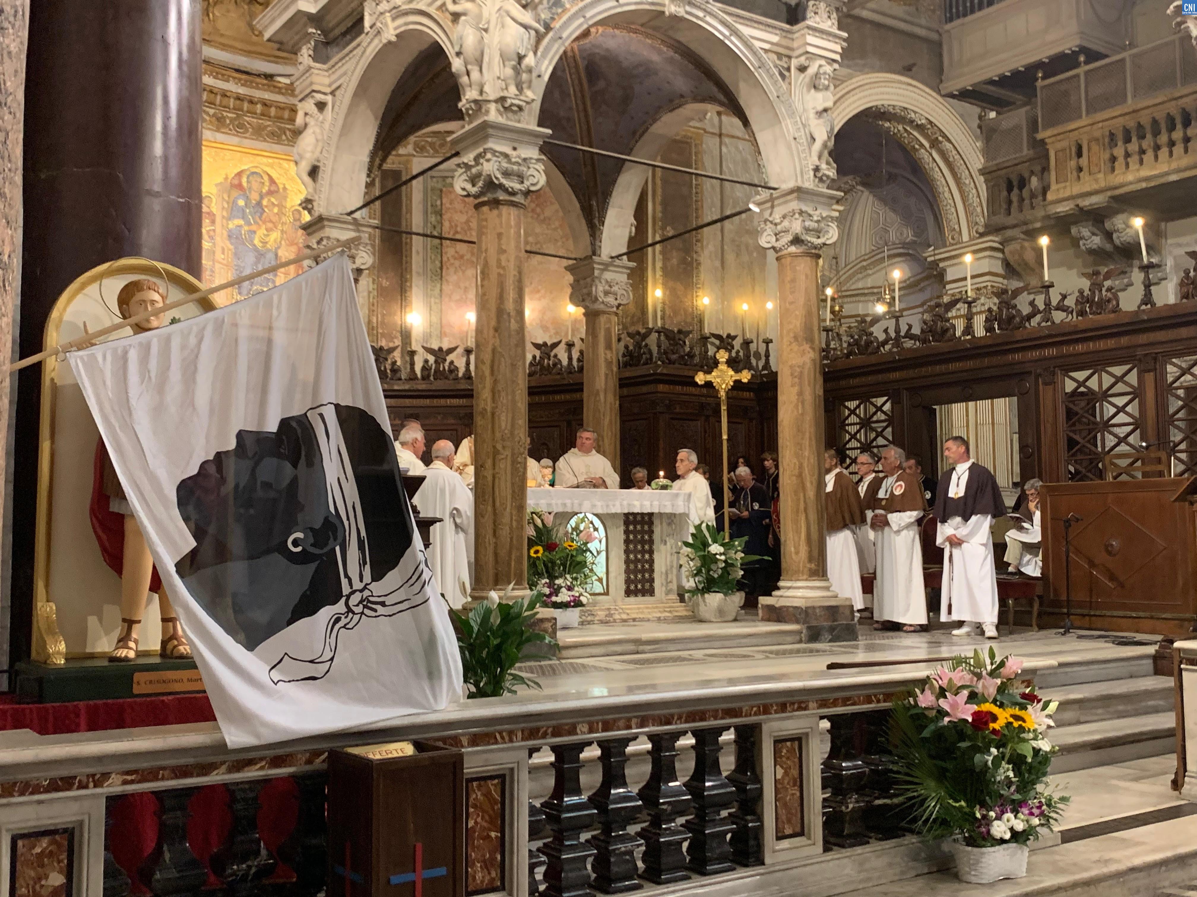 Guardia corsa papale in Roma : messa in lingua corsa in San Grisogono è prucessio di à Madonna Fiumarola