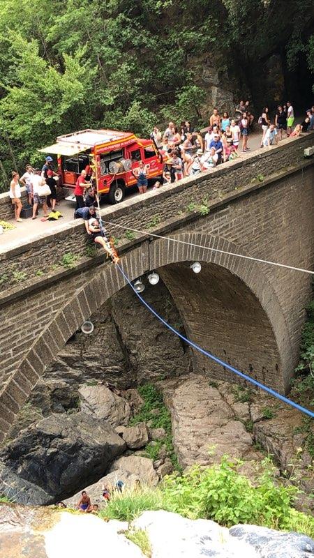 Spectaculaire intervention du GRIMP à la cascade  de l'Ucelluline à  San Nicolao