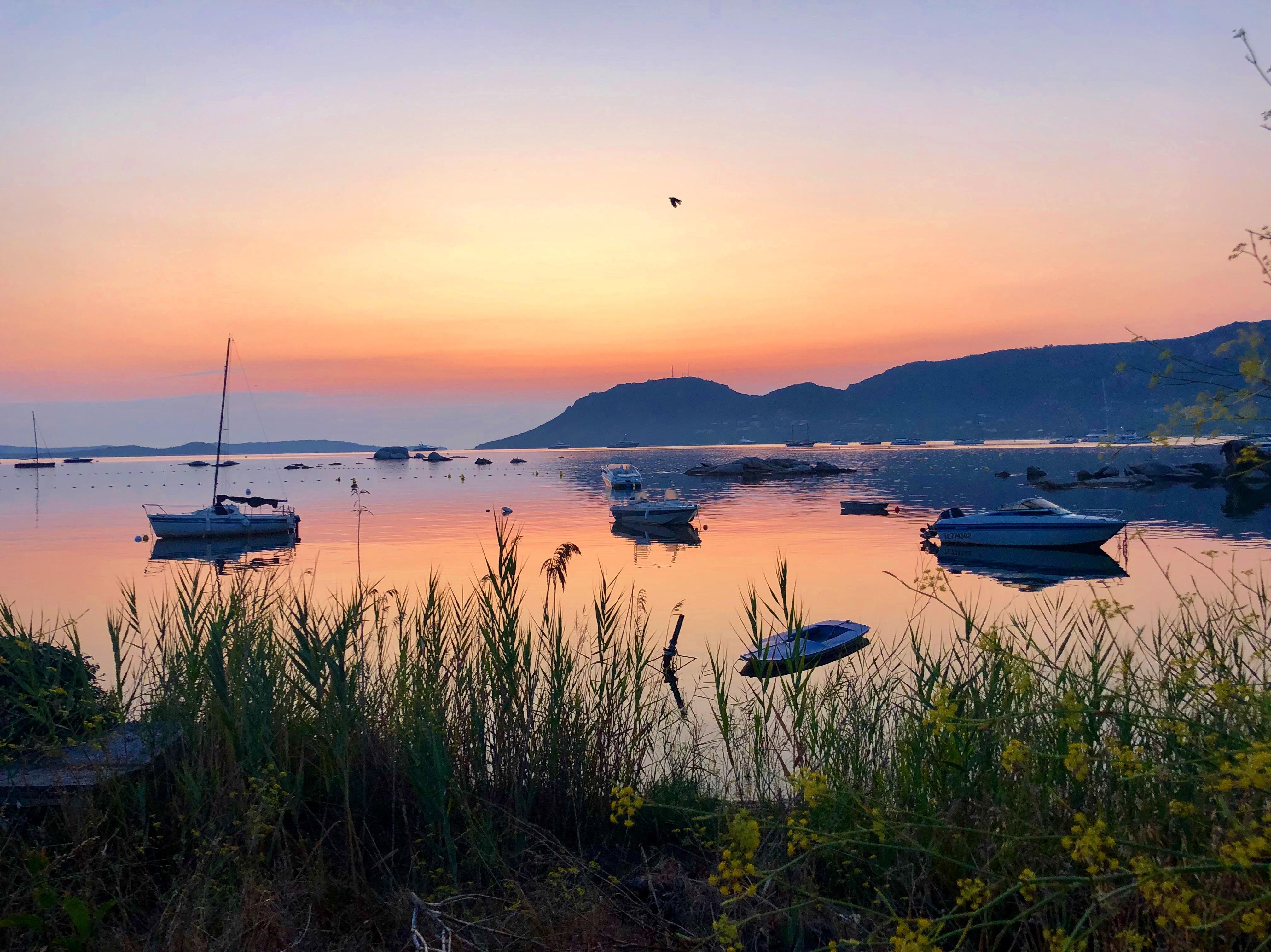 La photo du jour : le golfe de Porto-Vecchio à l'aube