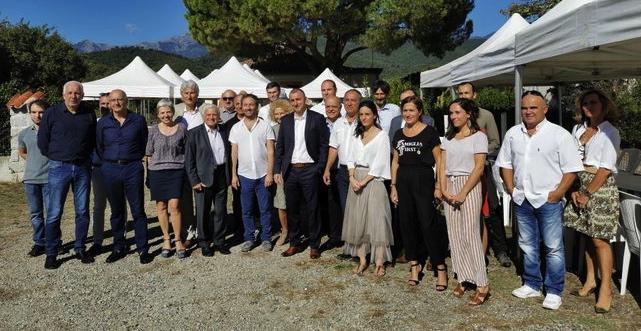 Les participants au séminaire de sensibilisation à l'intelligence économique qui s'est tenu à Prunelli di Fium'Orbu.
