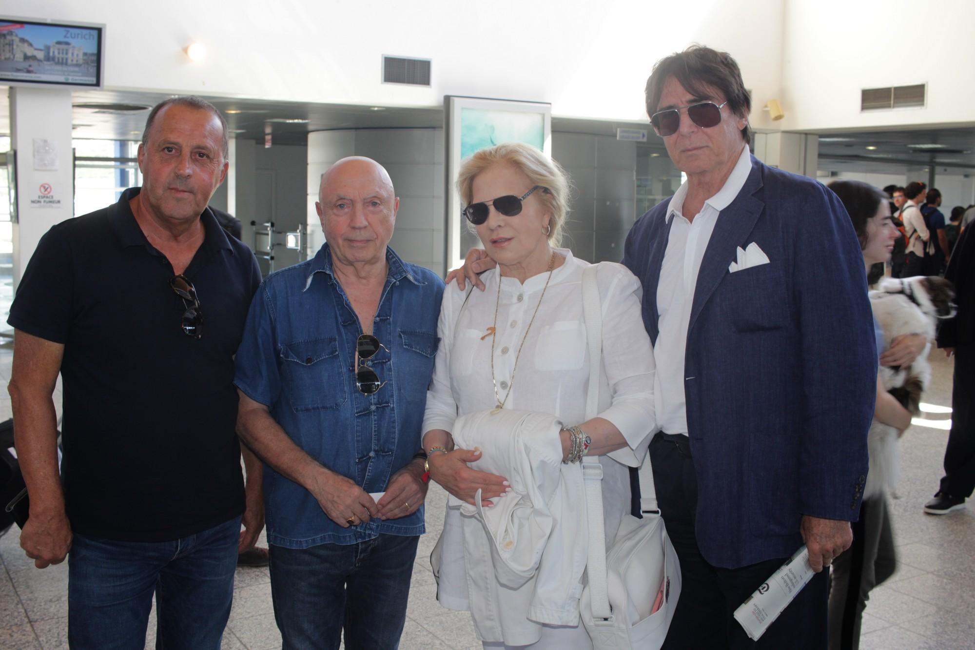A l'arrivée à Calvi avec de gauche à droite Michel Mallory, José Orsini, Sylvie Vartan, Tony Scotti