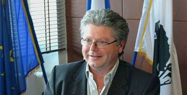 Georges Mela, maire de Portivechju.