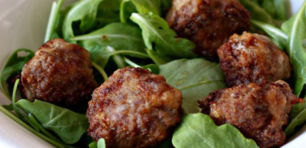 A table : boulettes de viande au brocciu