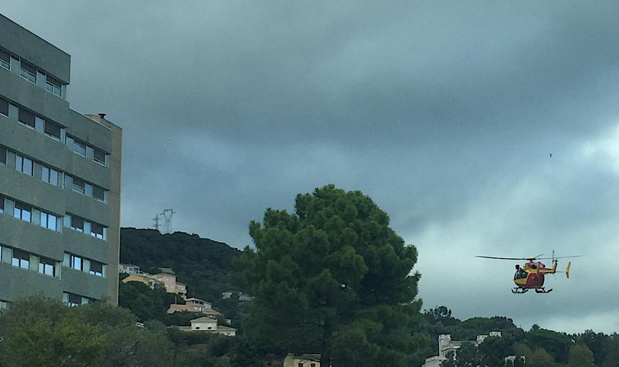 Dragon 2B à son arrivée à l'hôpital de Bastia