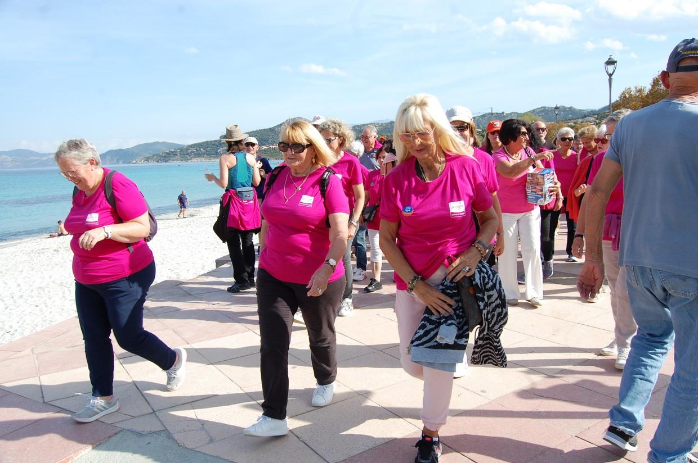 Tous en rose à l'Ile-Rousse pour la Marche de l'espoir
