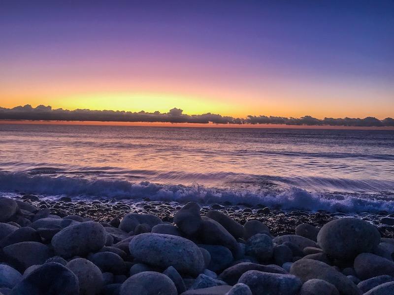Lever de soleil sur Travu. Photo de Sébastien TIBERI