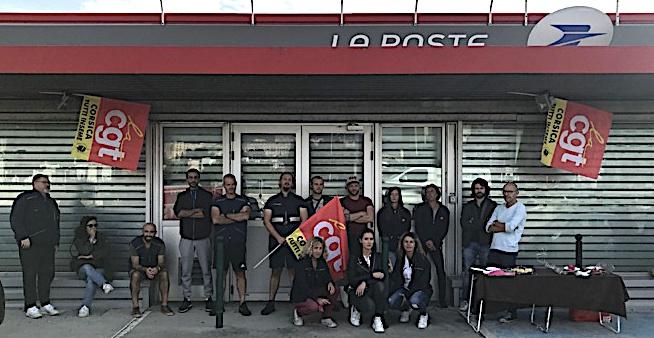 """La Poste Bastia Cap : """"Nous restons en grève jusqu'à ce qu'une porte s'ouvre"""""""