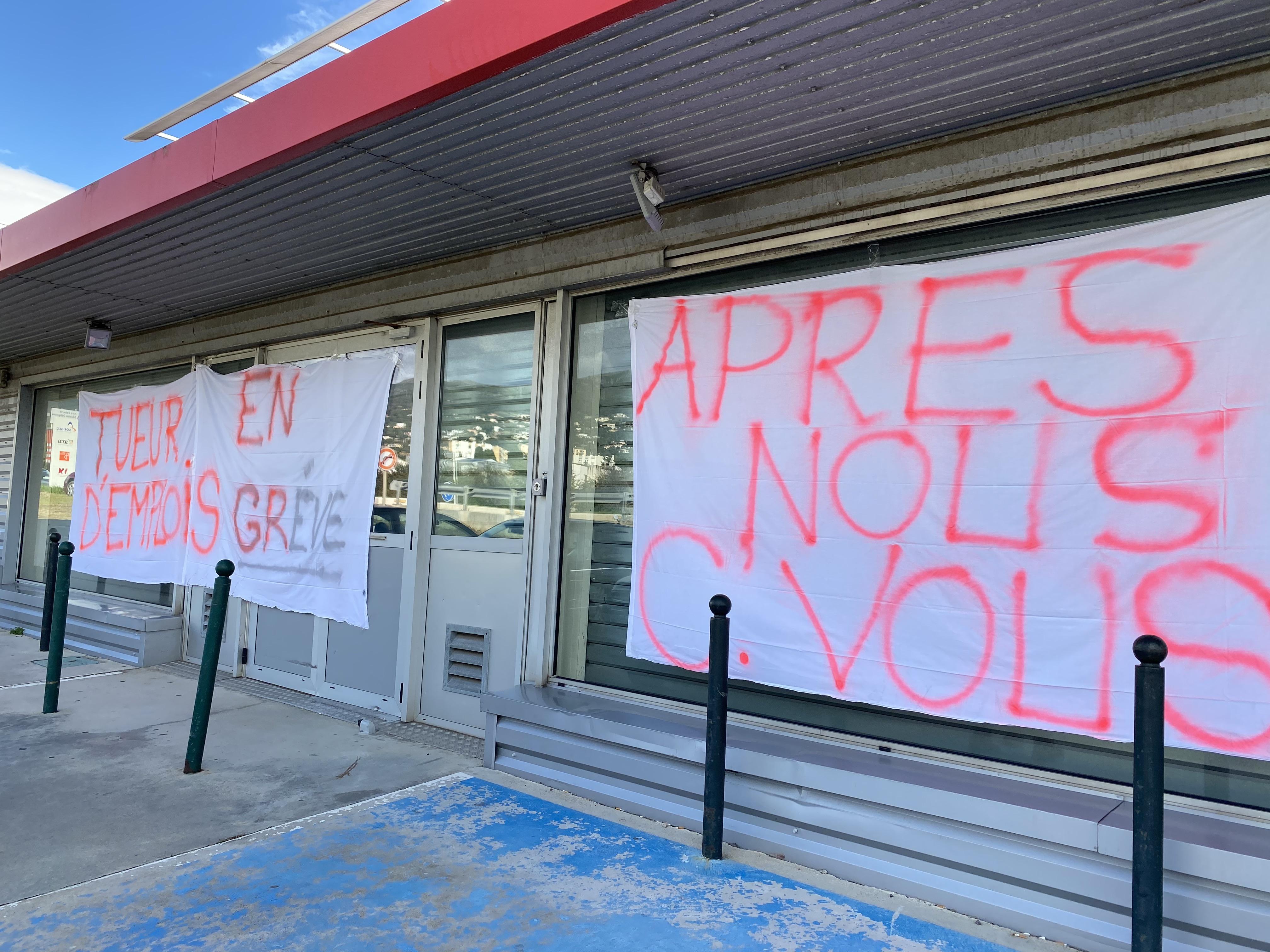 Depuis presque 15 jours le centre de courrier Bastia Cap est en grève.