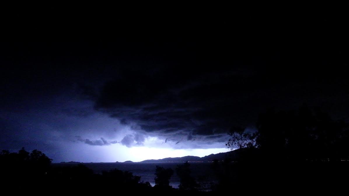 Ciel noir au-dessus de Pietrosella (Mégane Saint-Sulpice)