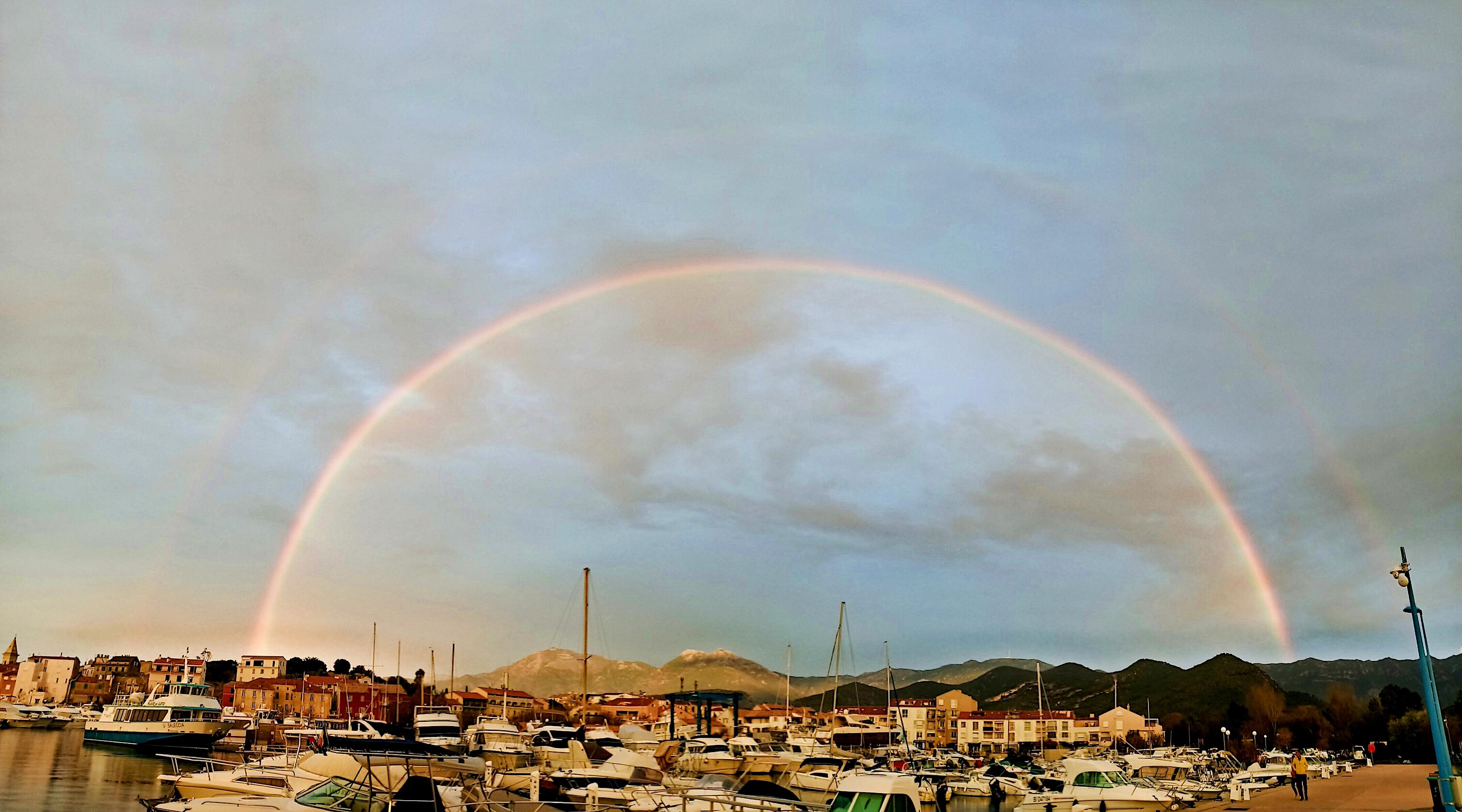 La photo du jour : double arc-en-ciel au dessus de Saint-Florent
