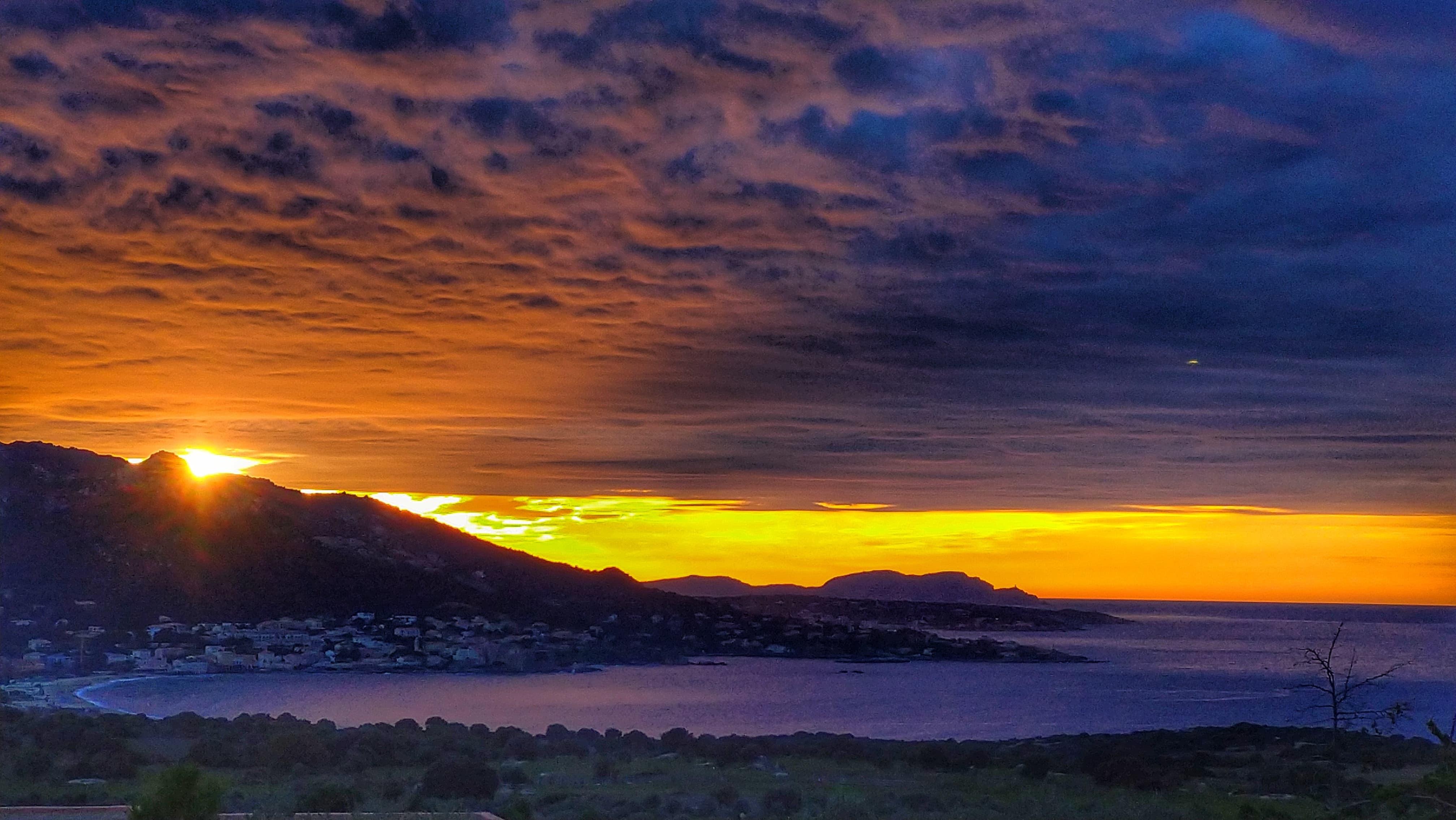 La photo du jour : Coucher de soleil sur Algajola