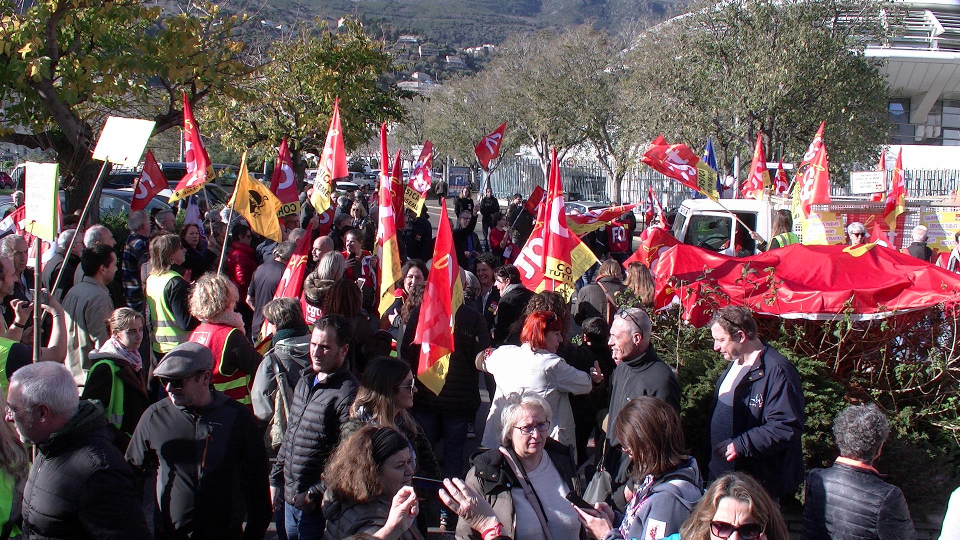 Entre 1000 et 1500 personnes ont défilé ce mardi dans les rues de Bastia contre la réforme des retaites