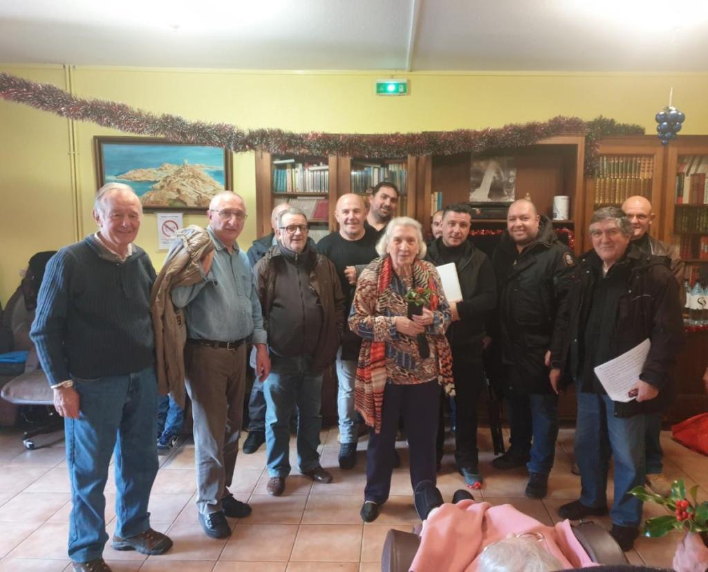 """Veghja di Natale à la résidence de  """"l'Âge d'Or"""" à L'Ile-Rousse"""