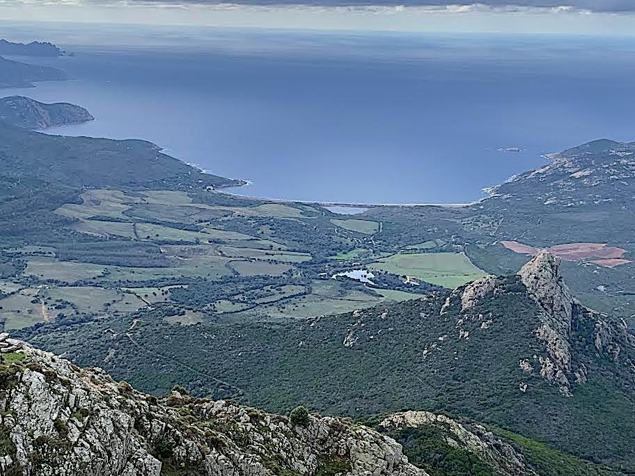 La photo du jour : la baie de Crovani vue du petit Cintu