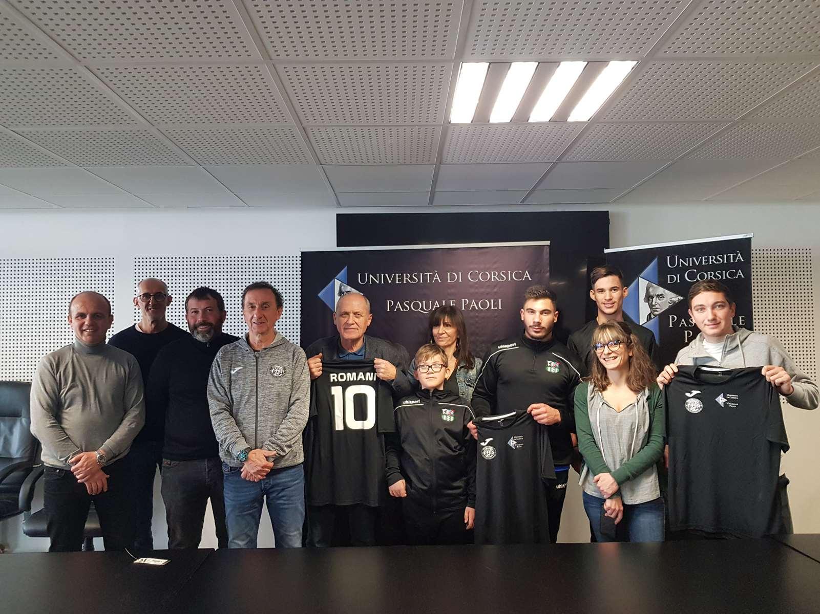 Corte : A Squadra Corsa équipe le foot universitaire