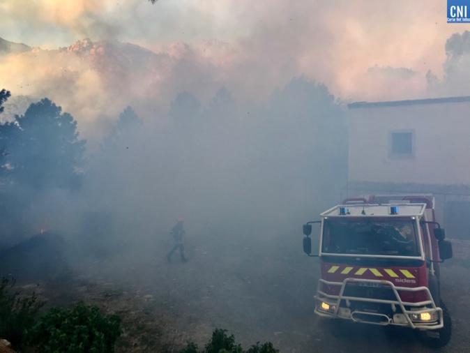 Incendies : fin du confinement à Sari et Togna. Mais les foyers sont toujours actifs en Corse