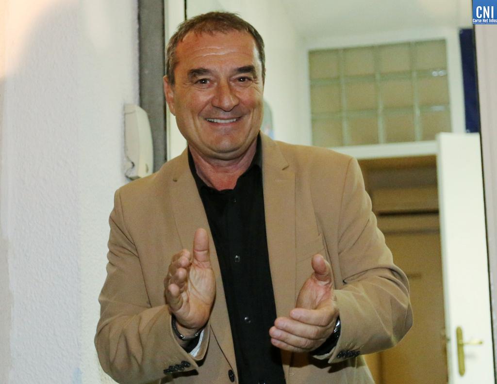 François Filoni inaugure la permanence d'« Ajaccio change de visage »