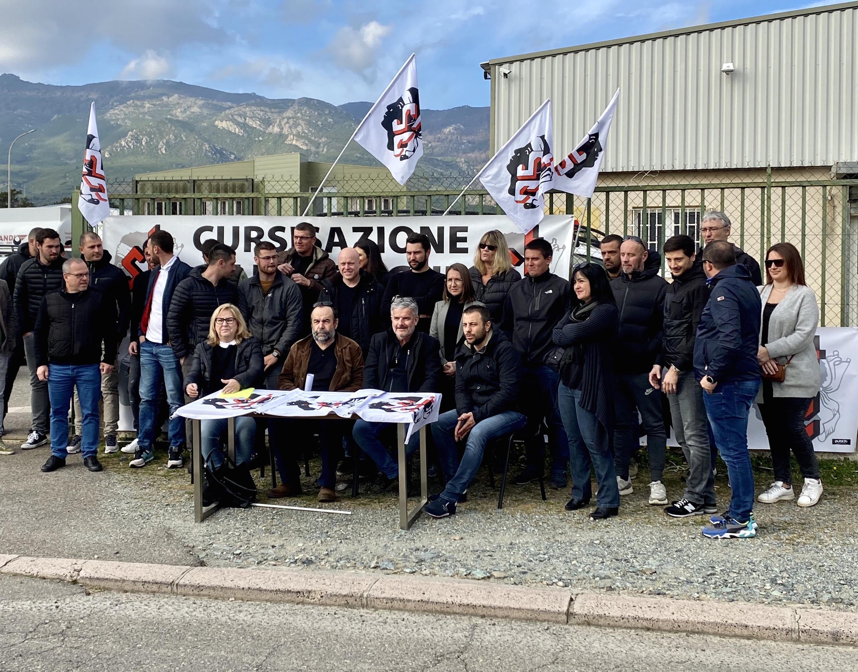 conférence de presse devant l'agence Engie-Cofely de Bastia