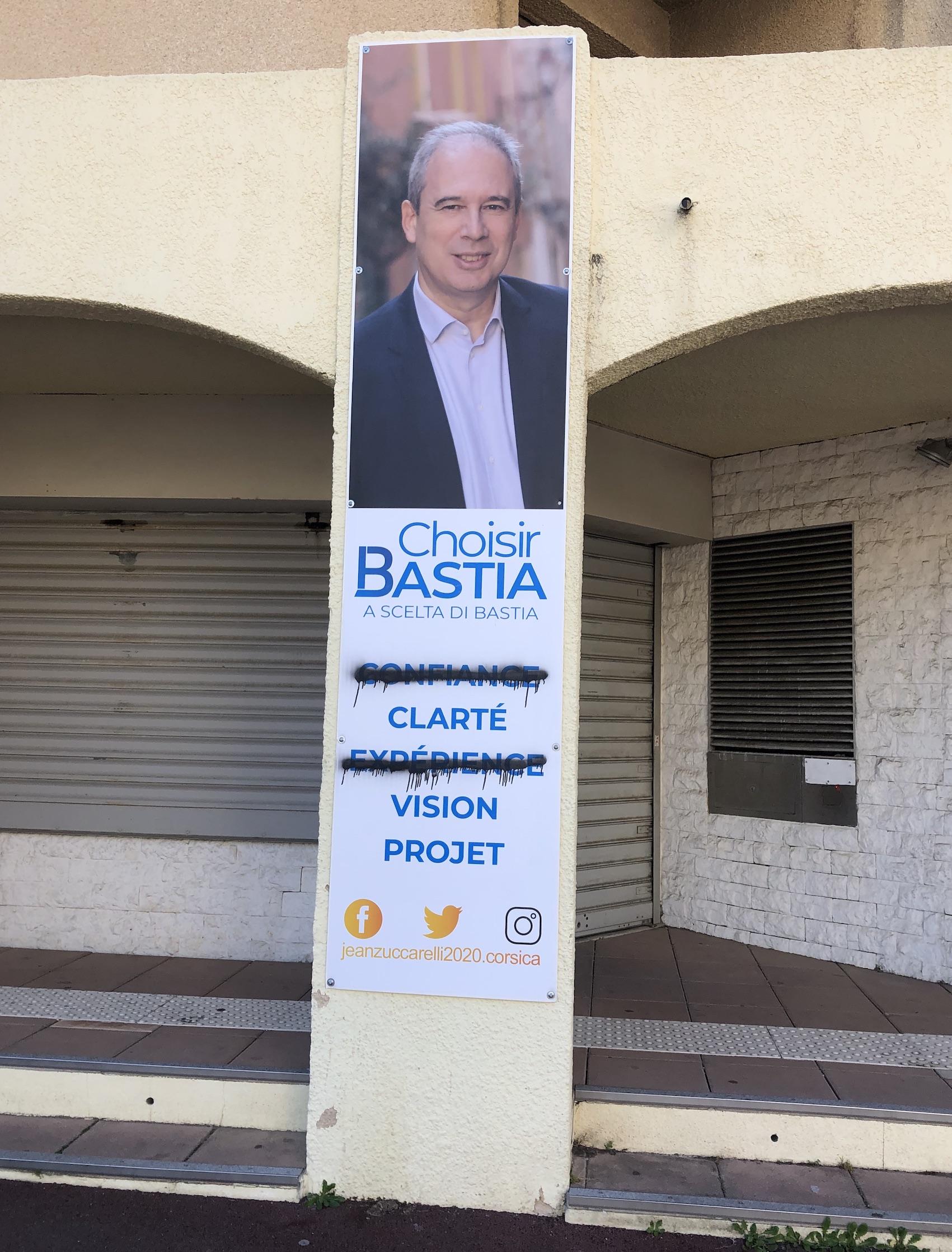 Bastia : Les permanences de Jean Zuccarelli taguées