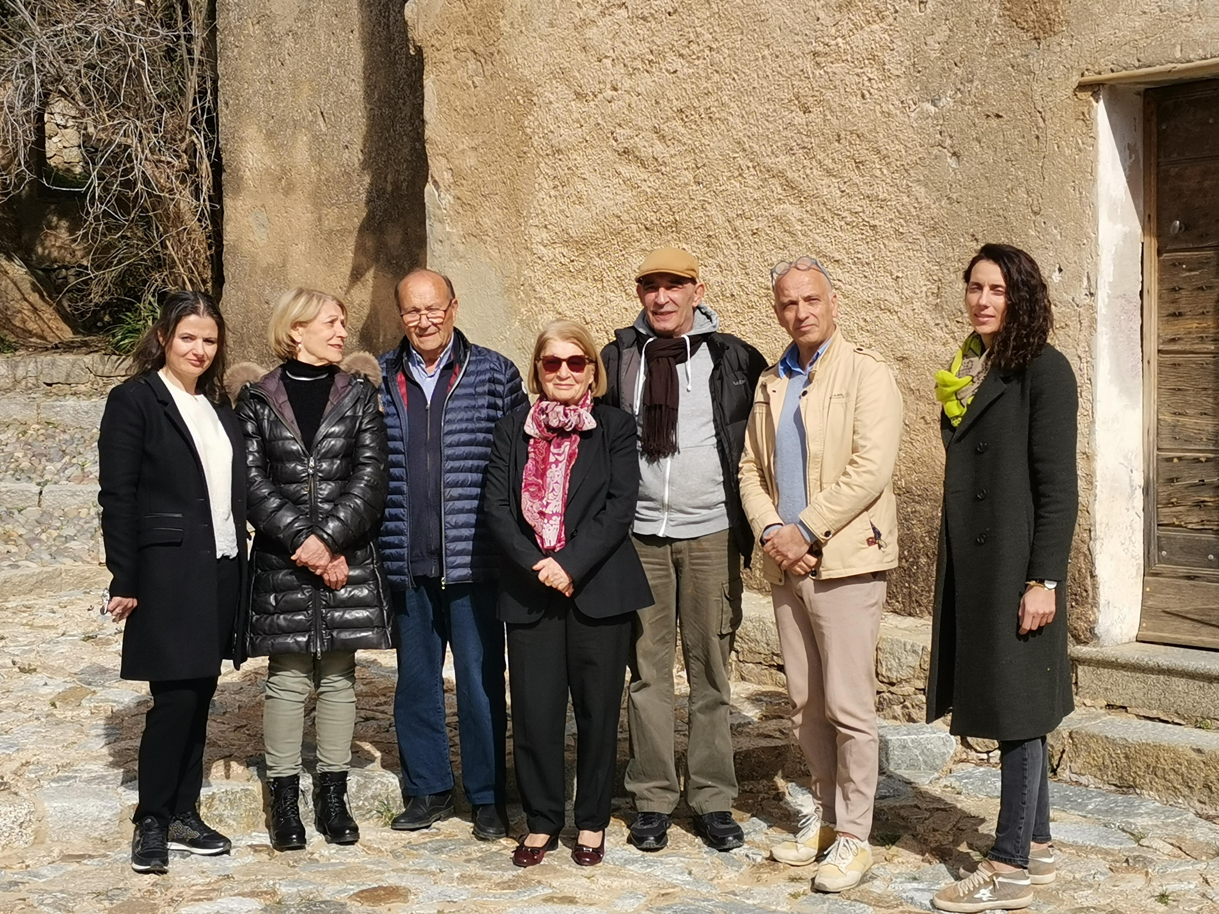 Josée Martelli entourée de son équipe