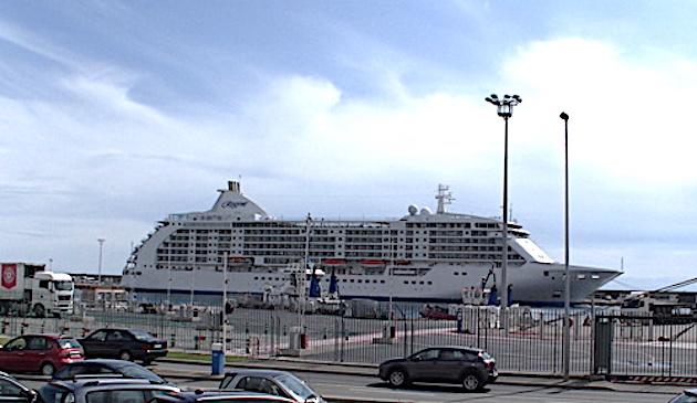 Les bateaux de croisière interdits d'escale en Corse