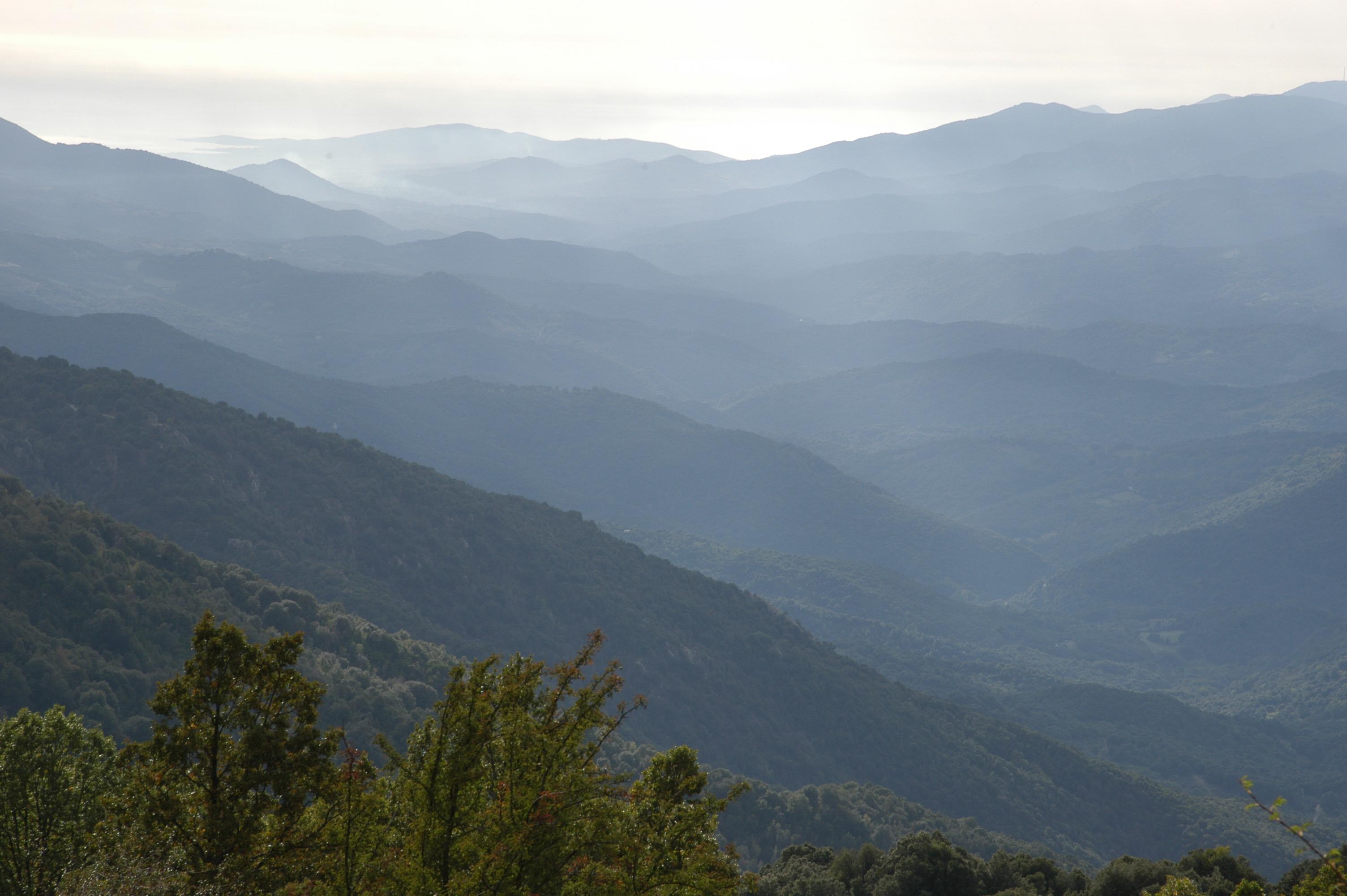 La vallée du Taravo avec Porto polo an fond Plateau du coscione Zicavo Thierry senlis ( famille Leccia)