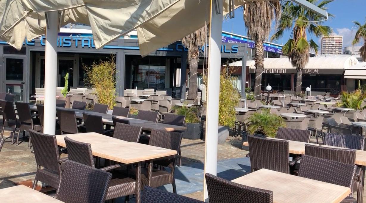 Les cafés et restaurants sont désormais fermés à Ajaccio